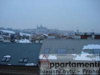 Prodej mezonetu 4+1,185m2 s terasou 15m2 a výhledem na Hrad na Malé Straně