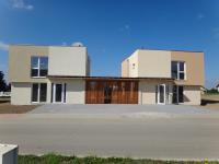 Prodej Rodinných domů v kategoriích 5+kk se zahradou 402 m2