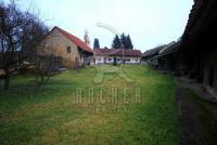 Prodej pozemku 4 473 m2, určeného k výstavbě RD, Praha 10 - Benice