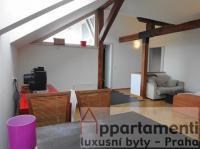 Prodej půdního bytu 4+kk 90m2 s terasou 3m2 , Praha 2, Nové Město.