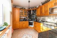 Luxusní novostavba domu 242 m2, pozemek 903 m2, garáž pro 2 auta, Praha 6 -Nebušice
