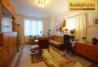 Prostorný byt s vynikající dopravní dostupností v žádané lokalitě na Letné.