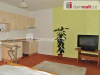 Prodej bytu 1+kk/L, 33,5 m2, Praha 4-Kamýk, ul. Dobevská, DV, nulová anuita, panel, výtah