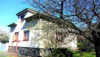 Prodej rodinného domu 4+1 s pozemkem o výměře 909 m2, Praha 4 Komořany