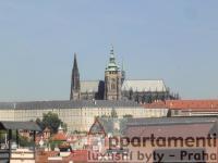 Prodej půdního bytu po kompl. rek. 2+1, 45 m2 s terasou 14m2 a výhledem na Pražský hrad