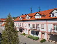 Pěkný byt 4+kk, 101 m2, G, bazén, sauna, zahrada, Praha 6, u metra