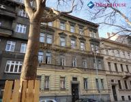Velmi prostorný byt 3+1 99,6m2 v srdci Karlína